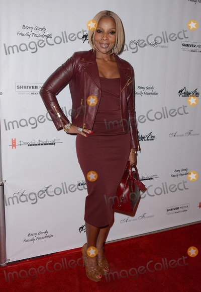 Mary J Blige Photo - 04 February  - Beverly Hills Ca - Mary J Blige Arrivals for the US premiere of Debbie Allens Freeze Frame held at The Wallis Annenberg Center for the Performing Arts Photo Credit Birdie ThompsonAdMedia