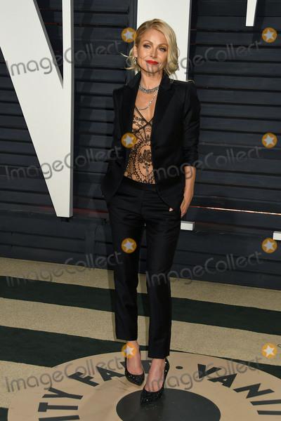 Kelly Ripa Photo - 26 February 2017 - Beverly Hills California - Kelly Ripa 2017 Vanity Fair Oscar Party held at the Wallis Annenberg Center Photo Credit Byron PurvisAdMedia