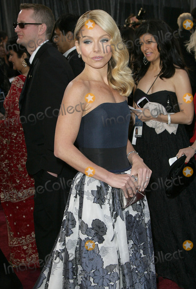 Kelly Ripa Photo - 24 February 2013 - Hollywood California - Kelly Ripa 85th Annual Academy Awards held at the Dolby Theatre at Hollywood  Highland Center Photo Credit AdMedia