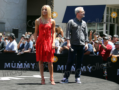 Annabelle Wallis Photo - 20 May 2017 - Hollywood California - Annabelle Wallis Alex Kurtzman Universal Celebrates The Mummy Day With 75-Foot Sarcophagus Takeover At Hollywood And Highland Photo Credit F SadouAdMedia