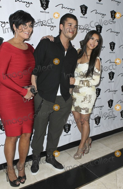 Rob- Kardashian Photo - 16 March 2012 - Las Vegas Nevada - Kris Jenner Rob Kardashian Kim Kardashian  Rob Kardashian celebrates his birthday at 1 OAK Nightclub at the Mirage  Photo Credit MJTAdMedia