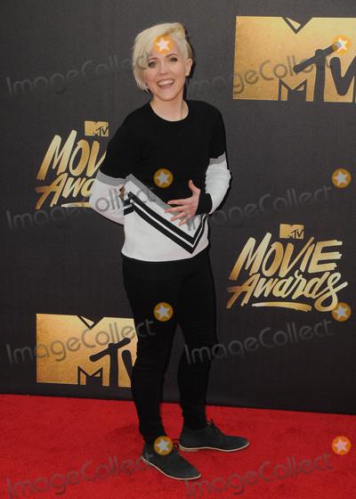 Hannah Hart Photo - 09 April 2016 - Burbank California - Hannah Hart Arrivals for the  2016 MTV Movie Awards held at Warner Bros Studios Photo Credit Birdie ThompsonAdMedia