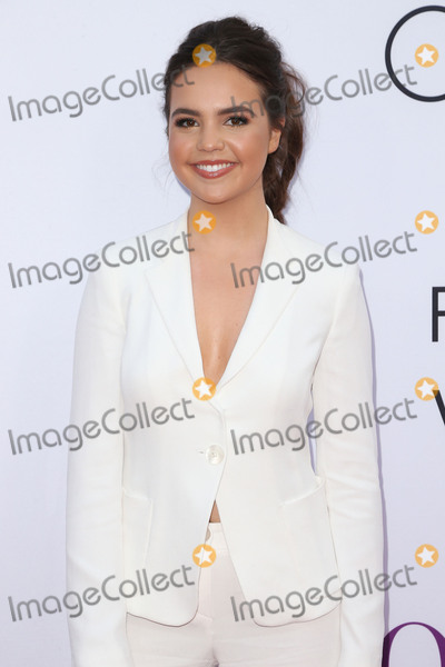 Bailee Madison Photo - 13 April 2016 - Hollywood California - Bailee Madison Mothers Day World Premiere held at TCL Chinese Theatre IMAX Photo Credit SammiAdMedia