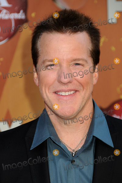 Jeff Dunham Photo - 6 December 2010 - Las Vegas California - Jeff Dunham American Country Awards 2010 - Arrivals held at the MGM Grand Photo Byron PurvisAdMedia