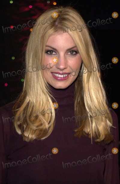 The Grinch Photo -  Faith Hill at the premiere of Universals Dr Seuss How The Grinch Stole Christmas at Universal Studios 11-08-00