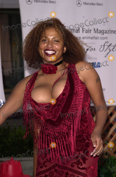 Lisa Nicole Carson Photo -  Lisa Nicole Carson at the Paws For Style 2nd Annual Pet and Fashion Show in Beverly Hills 10-15-00