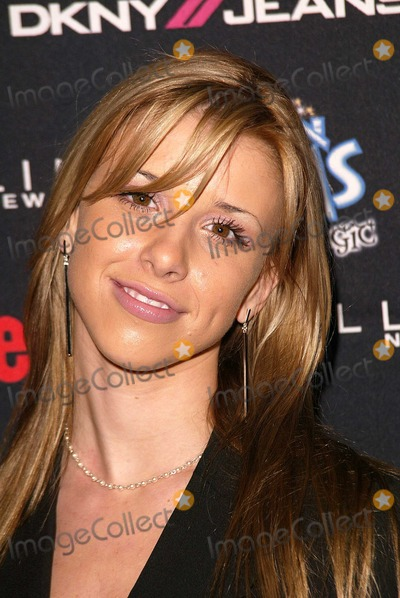 Melissa Amber Schuman >> Photos and Pictures - Ashley Poole and Brooke Paller at the Teen People 2003 Artist Of The Year ...