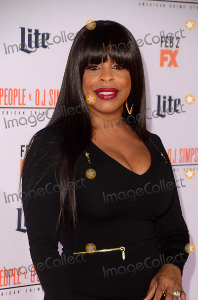 Niecy Nash Photo - Niecy Nashat the American Crime Story - The People V OJ Simpson Premiere Village Theater Westwood CA 01-27-16