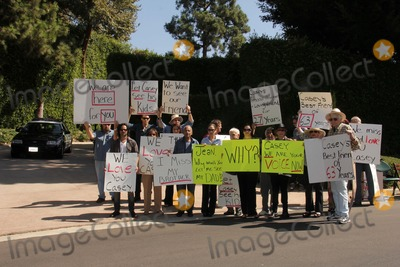 Jason Thomas Photo - Tom Rounds Jason Thomas Gordon Jesse Kove Lorre Crimi Mouner Kasem Kerri Kasem Don Bustany Wafa Kanan Gonz Venecia Eilene Olsen Charles Olsen Ted Ballat a protest involving Casey Kasems children brother and friends who want to see him but have been denied any contact  Private Location Holmby Hills CA 10-01-13