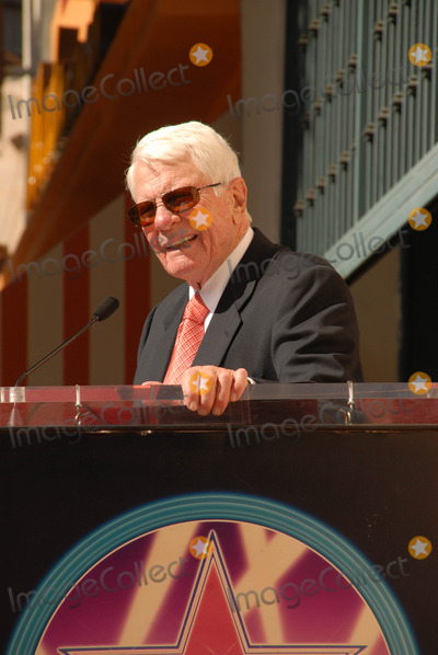 Peter Graves Photo - Peter Graves at the Hollywood Walk of Fame induction ceremony for Peter Graves Hollywood CA 10-30-09