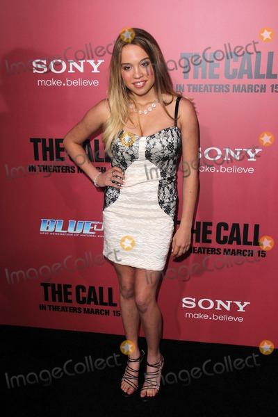 Evie Thompson Photo - Evie Thompsonat The Call World Premiere Arclight Hollywood CA 03-05-13