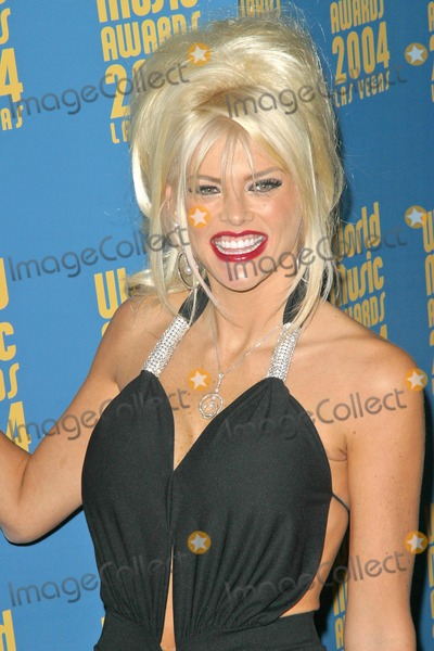 Anna Nicole Smith Photo - Anna Nicole Smith at the 2004 World Music Awards in the Thomas Mack Arena at UNLV Las Vegas NV 09-15-04