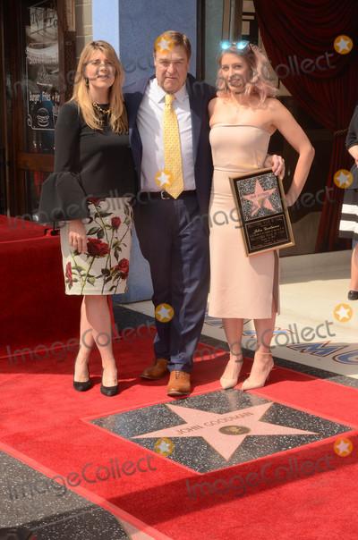 John Goodman Photo - John Goodman familyat the John Goodman Star on the Hollywood Walk of Fame Hollywood CA 03-10-17