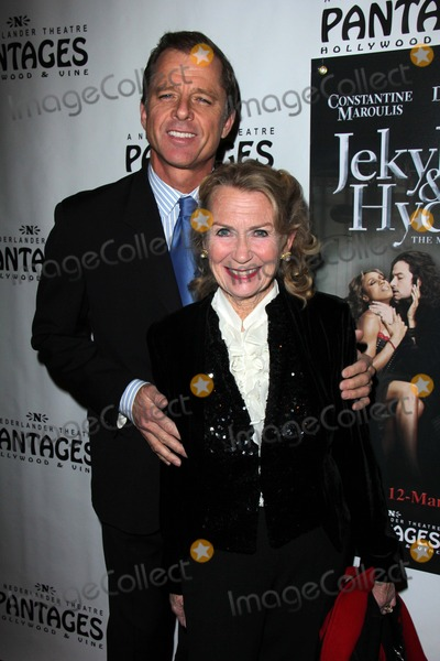 Maxwell Photo - Maxwell Caulfield Juliet Millsat the Jekyll  Hyde Premiere Pantages Hollywood CA 02-12-13