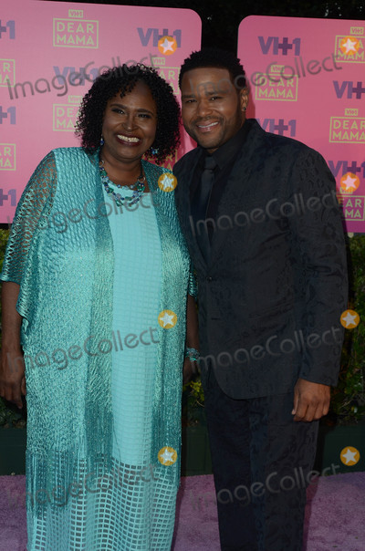 Anthony Anderson Photo - Anthony Anderson motherat VH1s 2nd Annual Dear Mama An Event To Honor Moms Huntington Library Pasadena CA 05-06-17