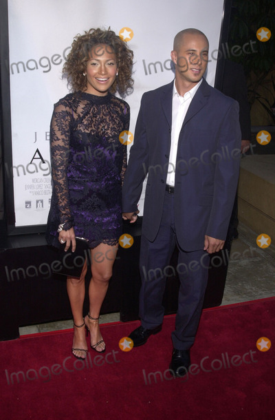 Angel Eyes Photo -  Jennifer Lopez and date Cris Judd at the premiere of Warner Brothers Angel Eyes at the Egyptian Theater Hollywood 05-15-01