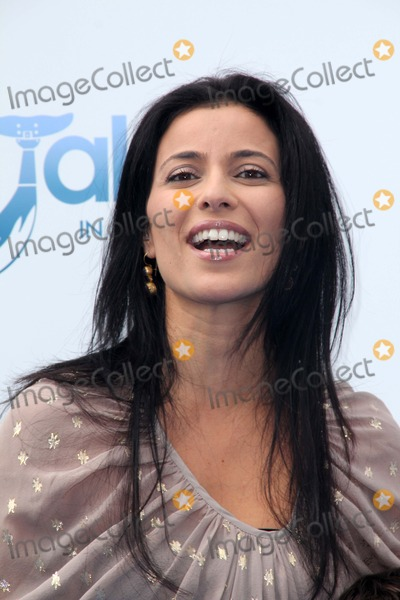 Bahar Soomekh Photo - Bahar Soomekhat the Dolphin Tale World Premiere Village Theater Westwood CA 09-17-11