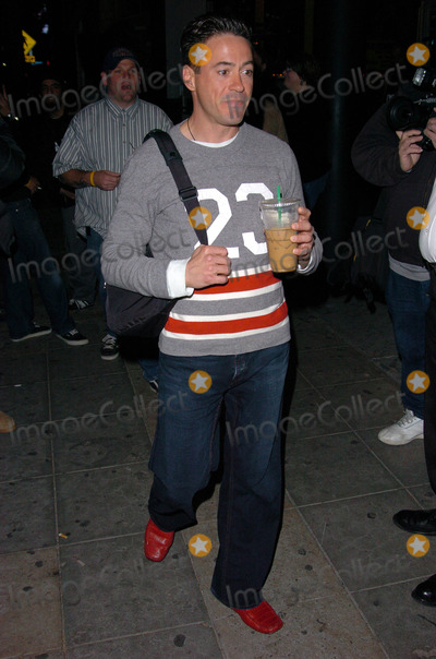 Sting Photo - Robert Downey Jr Guest arrive at the special performance of Sting The Roxy West Hollywood CA 03-28-05