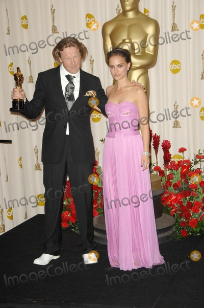 Anthony Dod Mantle Photo - Anthony Dod Mantle and Natalie Portman in the Press Room at the 81st Annual Academy Awards Kodak Theatre Hollywood CA 02-22-09