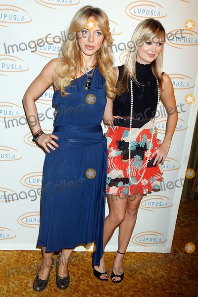 Sara Simmonds Photo - Shirly Brener and Sara Simmondsat the Hollywood Bag Ladies Lupus Luncheon presented by Lupus LA and hosted by Marla Maples Beverly Wilshire Four Seasons Hotel Beverly Hills CA 11-07-07