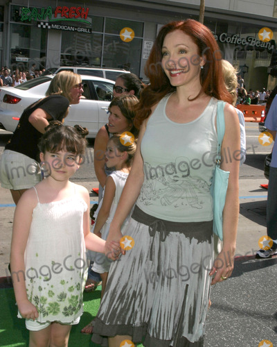 Stella Ritter Photo - Stella Ritter and Amy YasbeckThe Ant Bully LA PremiereGraumans Chinese TheaterLos Angeles CAJuly 23  2006