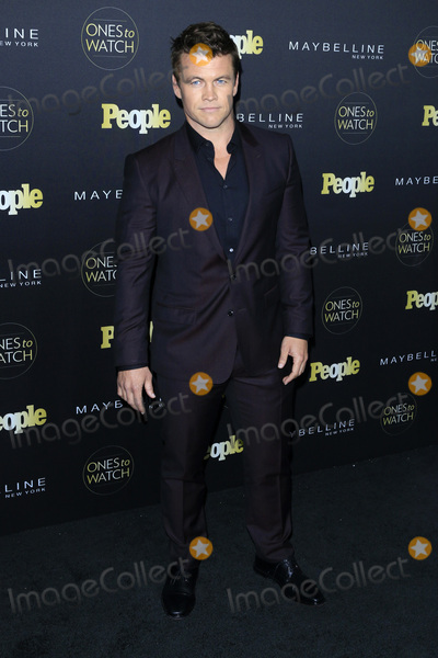 LUKE HEMSWORTH Photo - LOS ANGELES - OCT 13  Luke Hemsworth at the Peoples One to Watch Party at the EP  LP on October 13 2016 in Los Angeles CA