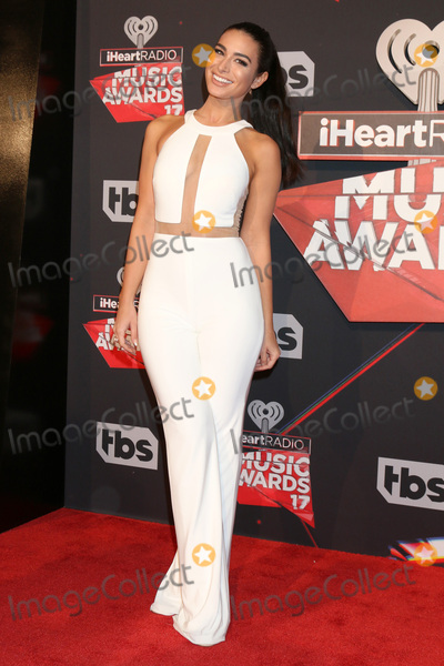 Ashley Iaconetti Photo - LOS ANGELES - MAR 5  Ashley Iaconetti at the 2017 iHeart Music Awards at Forum on March 5 2017 in Los Angeles CA