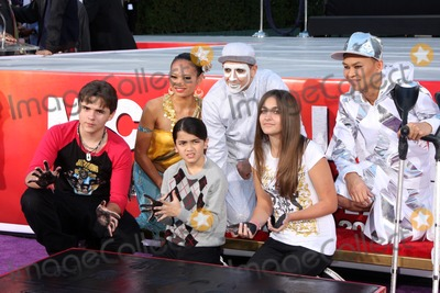 Prince Michael Jackson Photo - LOS ANGELES - JAN 26  Prince Michael Jackson Prince Michael Jackson II aka Blanket Jackson Paris Jackson at the Michael Jackson Immortalized  Handprint and Footprint Ceremony at Graumans Chinese Theater on January 26 2012 in Los Angeles CA