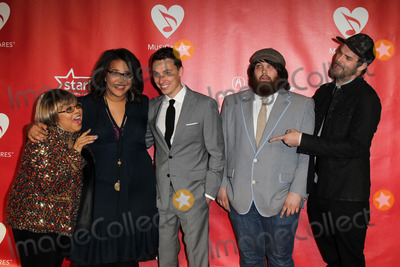 Alabama Shakes Photo - LOS ANGELES - FEB 8  Mavis Staples and Brittany Howard Heath Fogg Zac Cockrell and Steve Johnson of the Alabama Shakes arrives at the 2013 MusiCares Person Of The Year Gala Honoring Bruce Springsteen  at the Los Angeles Convention Center on February 8 2013 in Los Angeles CA