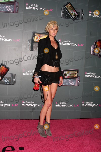 Kate Nauta Photo - Kate Nauta arriving at the  T-Mobile Sidekick LX Launch Event at  Paramount Studios inin Los Angeles CA on May 14 2009