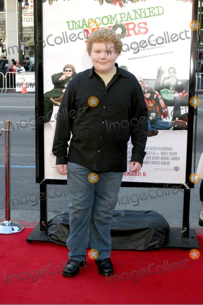 Brett Kelly Photo - Brett KellyUnaccompanied Minors World Premiere - ArrivalsDecember 2 2006 - Graumans Chinese TheatreHollywood California USA