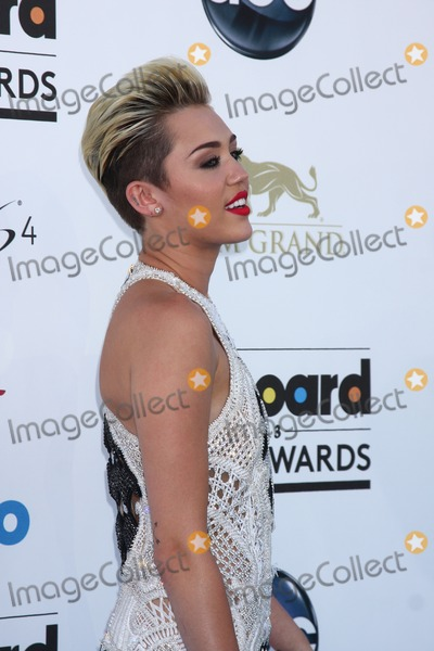 Miley Cyrus Photo - LOS ANGELES -  MAY 19  Miley Cyrus arrives at the Billboard Music Awards 2013 at the MGM Grand Garden Arena on May 19 2013 in Las Vegas NV