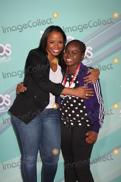Cori Broadus Photo - LOS ANGELES - OCT 26  Shante Broadus Cori Broadus arriving at the 2011 Nickelodeon TeenNick HALO Awards at Hollywood Palladium on October 26 2011 in Los Angeles CA