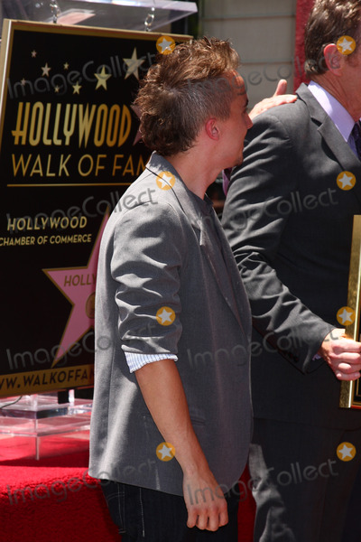 Frankie Muniz Photo - LOS ANGELES - JUL 16  Frankie Muniz at the Hollywood Walk of Fame Star Ceremony for Bryan Cranston at the Redbury Hotel on July 16 2013 in Los Angeles CA