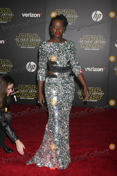 Lupita Nyongo Photo - LOS ANGELES - DEC 14  Lupita Nyongo at the Star Wars The Force Awakens World Premiere at the Hollywood  Highland on December 14 2015 in Los Angeles CA