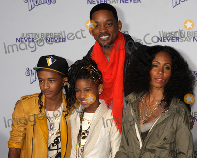 Willow Smith Photo - LOS ANGELES - FEB 8  Jaden Willow Will Smith Jada Smith arrives at the Never Say Never Premiere at Nokia Theater  on February 8 2011 in Los Angeles CA
