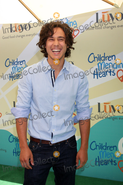 Peter Gadiot Photo - LOS ANGELES - JUN 14  Peter Gadiot at the Children Mending Hearts 6th Annual Fundraiser at Private Estate on June 14 2014 in Beverly Hills CA