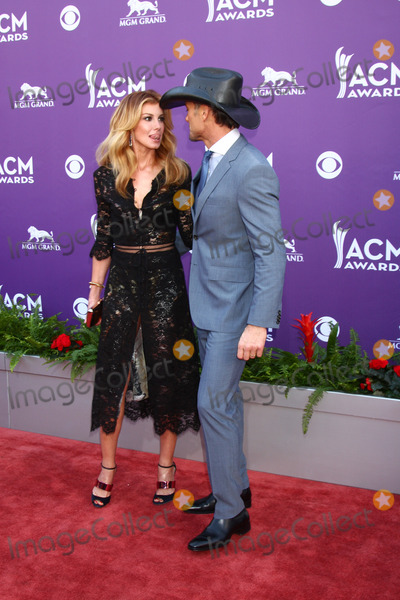 Faith Hill Photo - LAS VEGAS - MAR 7  Faith Hill Tim McGraw arrives at the 2013 Academy of Country Music Awards at the MGM Grand Garden Arena on March 7 2013 in Las Vegas NV