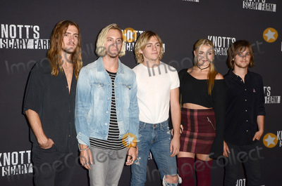 Ross Lynch Photo - LOS ANGELES - SEP 30  R5 Rocky Lynch Ross Lynch Riker Lynch Rydel Lynch Ellington Ratliff at the 2016 Knotts Scary Farm at Knotts Berry Farm on September 30 2016 in Buena Park CA