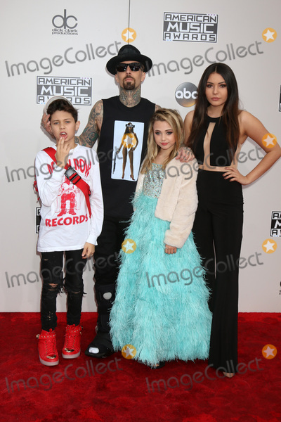 Alabama Photo - LOS ANGELES - NOV 20  Landon Asher Barker Travis Barker Alabama Luella Barker Atiana de la Hoya at the 2016 American Music Awards at Microsoft Theater on November 20 2016 in Los Angeles CA