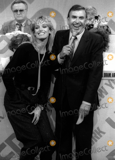 Susan Anton Photo - Susan Anton4110JPGCelebrity Archaeology1978 FILE PHOTONew York CitySusan Anton and TV Host Dennis JamesPhoto by Adam Scull-PHOTOlinknet