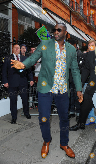 Adewale Akinnuoye-Agbaje Photo - Photo by KGC-201starmaxinccomSTAR MAX2016ALL RIGHTS RESERVEDTelephoneFax (212) 995-11968416Adewale Akinnuoye-Agbaje is seen in London England