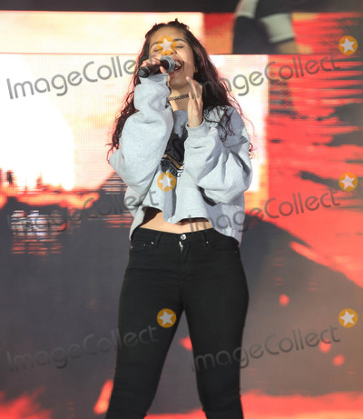Alessia Cara Photo - Photo by gotpapstarmaxinccomSTAR MAX2017ALL RIGHTS RESERVEDTelephoneFax (212) 995-119651317Alessia Cara at 1027 KIIS FMs 2017 Wango Tango Concert in Carson CA