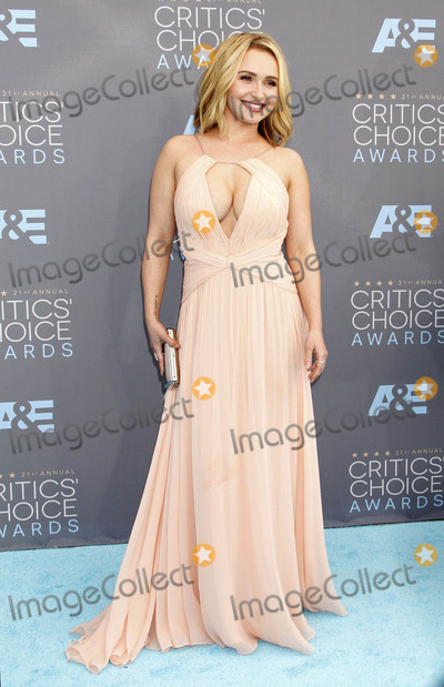 Hayden Panettiere Photo - Photo by REWestcomstarmaxinccomSTAR MAX2016ALL RIGHTS RESERVEDTelephoneFax (212) 995-119611716Hayden Panettiere at The 21st Annual Critics Choice Awards(Santa Monica CA)