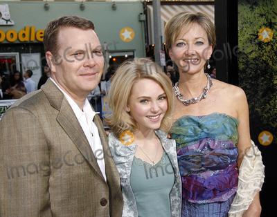 AnnaSophia Robb family