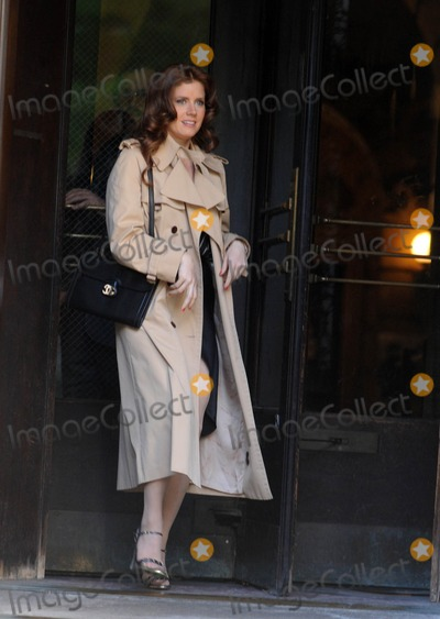 Amy Adams Photo - Photo by Dennis Van Tinestarmaxinccom2013starmaxinccomALL RIGHTS RESERVEDTelephoneFax (212) 995-119651713Amy Adams on the set of American Hustle(NYC)