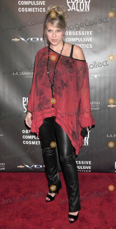 Jodie Sweetin Photo - Photo by Galaxystarmaxinccom2010101710Jodie Sweetin at the WTB Fashion Show(Hollywood CA)