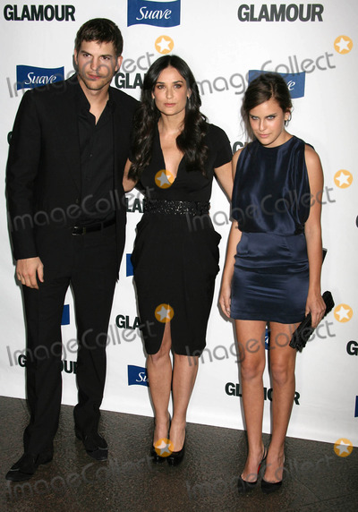 Demi Moore Photo - Photo by REWestcomstarmaxinccom2008101408Demi Moore with Ashton Kutcher and Tallulah Belle Willis at Glamour Reel Moments(Los Angeles CA)