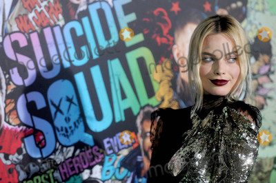 Margot Robbie Photo - Photo by Dennis Van TinestarmaxinccomSTAR MAX2016ALL RIGHTS RESERVEDTelephoneFax (212) 995-11968116Margot Robbie at the premiere of Suicide Squad(NYC)