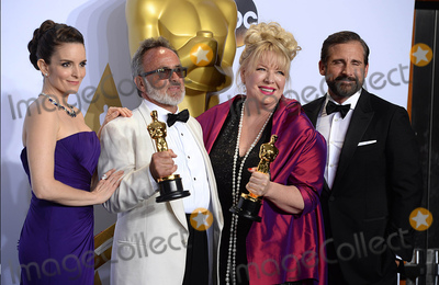 Steve Carell Photo - Photo by PDstarmaxinccomSTAR MAXCopyright 2016ALL RIGHTS RESERVEDTelephoneFax (212) 995-119622816Colin Gibson and Lisa Thompson with The Oscar for Best Production Design along with Tina Fey and Steve Carell at the 88th Annual Academy Awards (Oscars)(Hollywood CA USA)